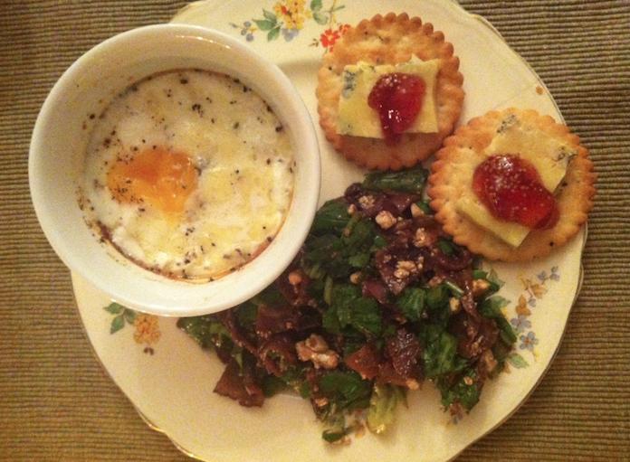Eitje met truffelkaas & bresaola rucola-salade