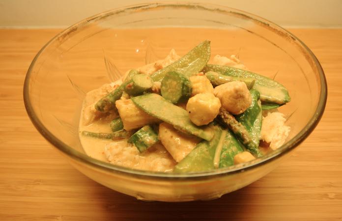 Massaman curry met kip en groene groenten
