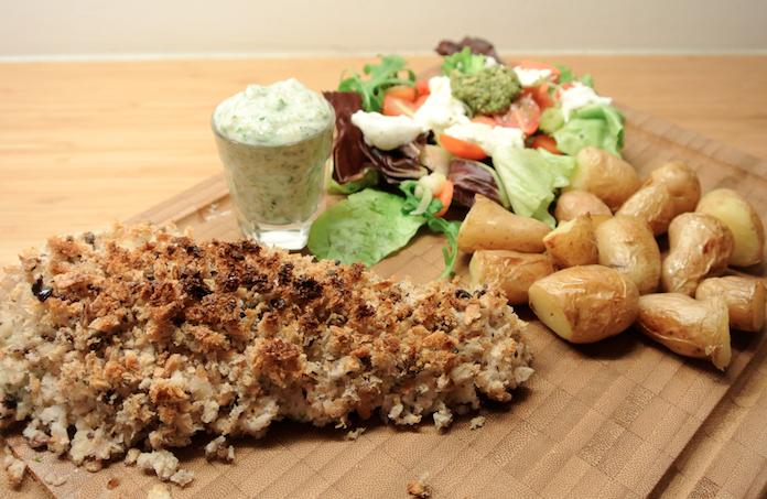 Vis in broodkorst met tartaresaus & aardappeltjes