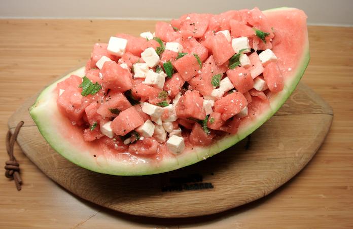 Frisse watermeloensalade met feta en munt