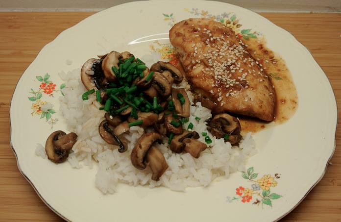 Hong Kong-kip met witte rijst en paddo's met oestersaus