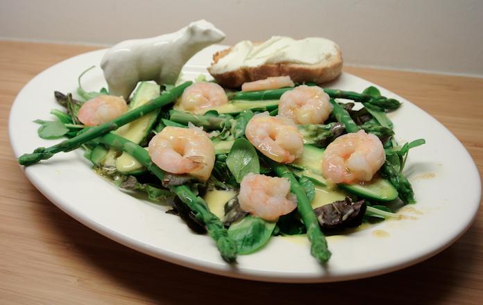 Garnalensalade met asperges en zelfgemaakte wasabi-mayo