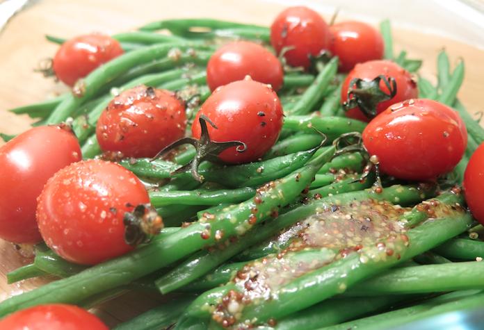 Haricots verts met trostomaatjes uit de oven en vinaigrette