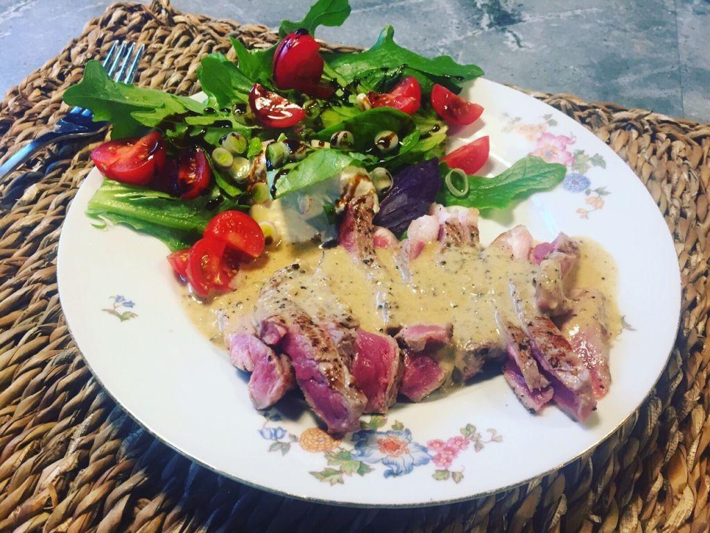 blue steak met pepersaus